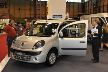 Kangoo II unveiled next year